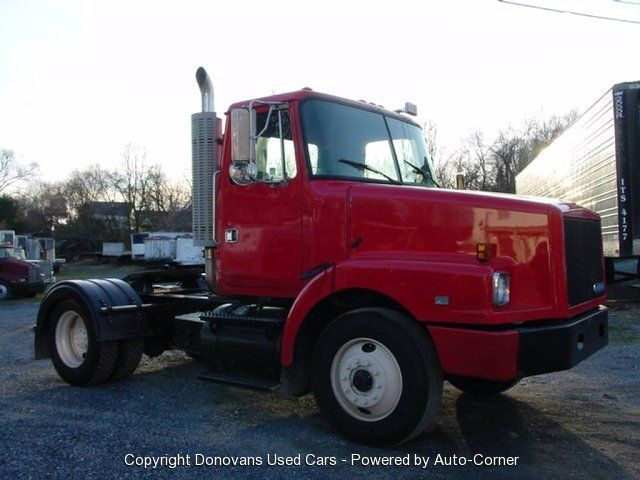 1992 White SINGLE AXLE DAY CAB
